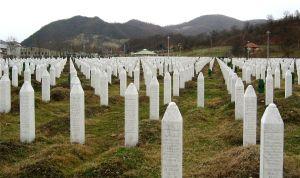1280px-Srebrenica_massacre_memorial_gravestones_2009_1